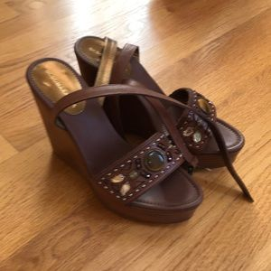 bcbgmaxarzia embellished brown wedges
